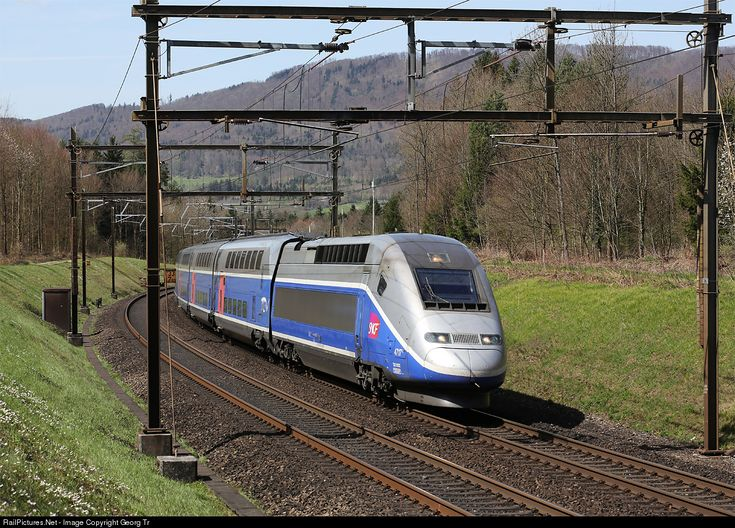 les 66 meilleures images du tableau trains tgv high speed train sur pinterest locomotive. Black Bedroom Furniture Sets. Home Design Ideas