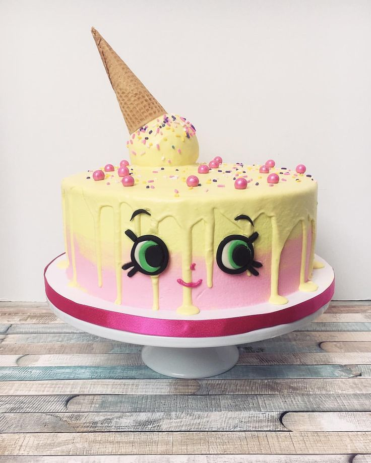 """A Shopkins - Ice Cream Kate Cake with white chocolate for melting """"ice cream"""""""