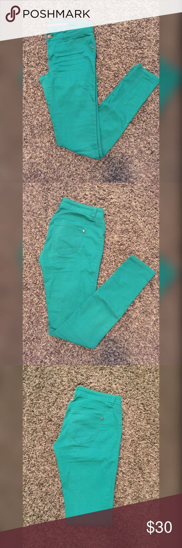 Green Teal Skinny Jeans from Tilly's These are green teal skinny jeans from Tilly's. They have two pockets on the back. They have one button & zipper on the front. These jeans are a size 3. Tilly's Jeans Skinny