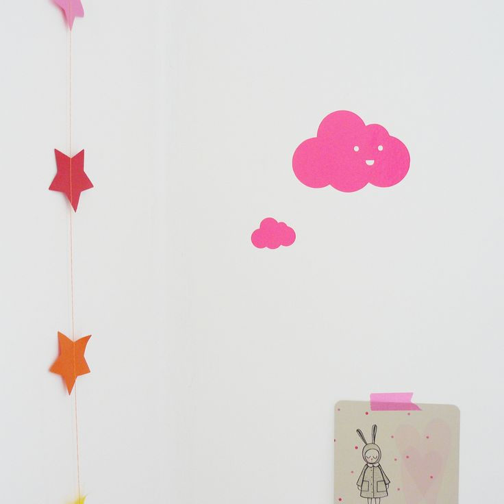 Stickers nuages rose fluo http://intemporailes.com