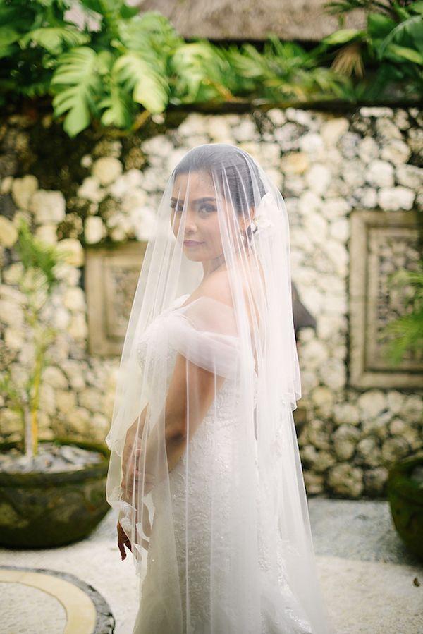 Bride in veil    #wedding #weddingday #aislesociety
