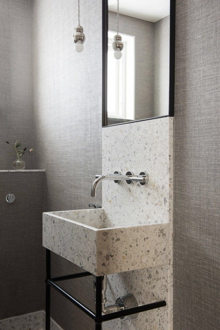 When was the last time you saw a basin like this in someone's house? Dare to be different!
