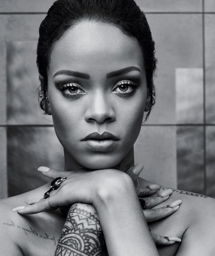 Rihanna stuns in a black and white picture