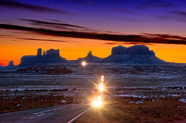 Monument ValleyMonument Valley, Stunning Photography, Monumentvalley, Monuments Valley, Favorite Places, Leaves Monuments, Sunris, Roads Trips, Highway 163