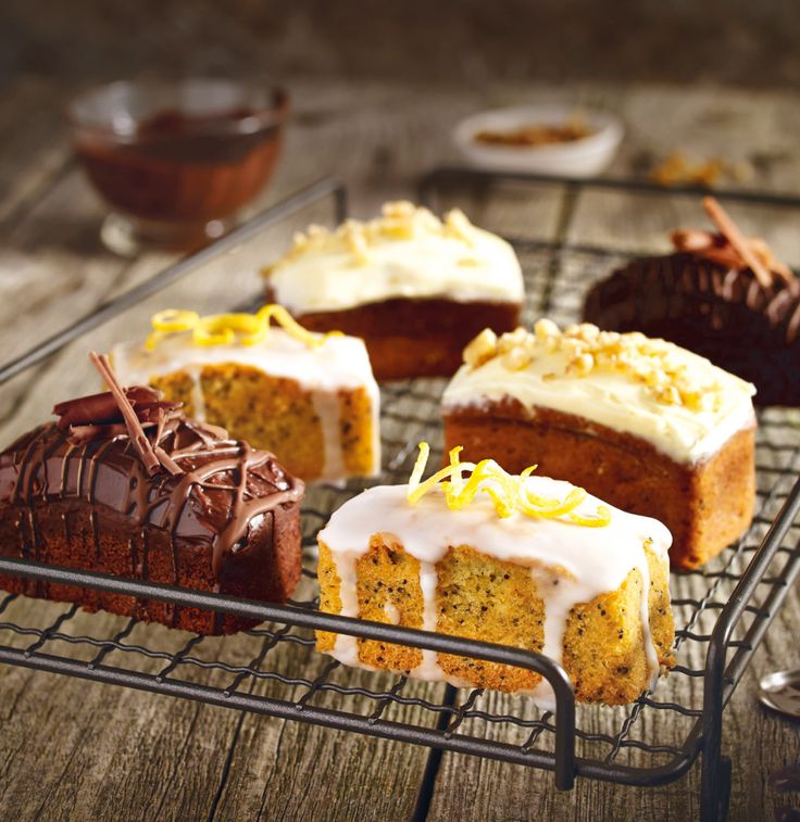Lakeland Mini Loaves - Carrot cake, chocolate fudge, lemon