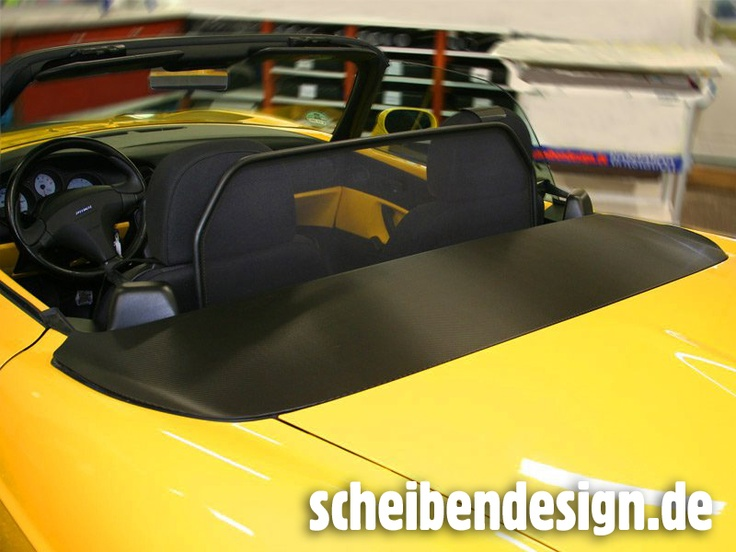 "Fiat Barchetta mit einer ""Strukturcarbonfolienpassage"" powered by scheibendesign.de"