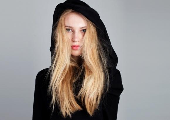 Collar Hoodie in Black