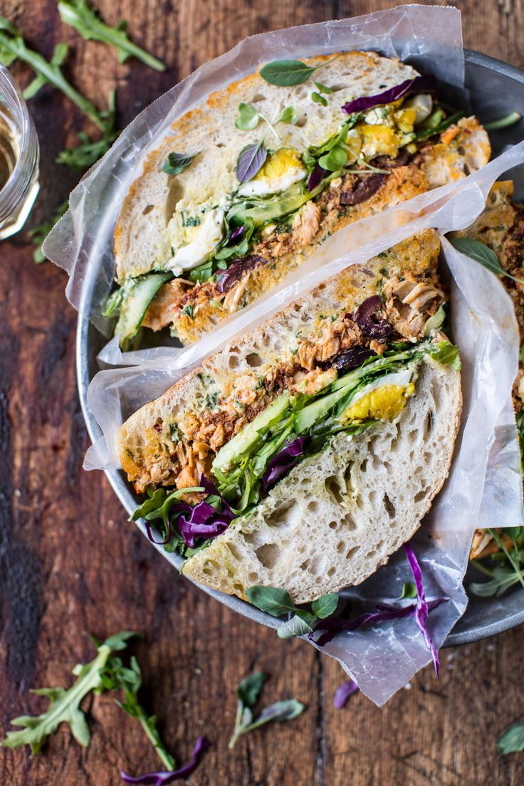 Tuscan Tuna Sandwich- a healthy, no bake sandwich made with delicious Tuscan flavored ingredients
