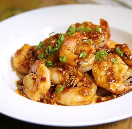 amazingly yummy!! Shrimp With Spicy Garlic Sauce Recipe.... great blog with TONS of authentic Chinese recipes.