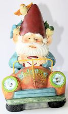 GARDEN GNOME IN CAR WITH SOLAR LIGHTS 36CM Cheeky Gnome Looking For A Home NEW*