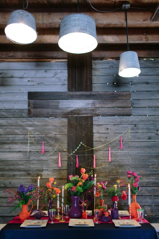 Neon rustic wedding reception | N-Joy! Events and  Carolynn Seibert Photography | see more on: http://burnettsboards.com/2014/08/rustic-neon-wedding-inspiration/