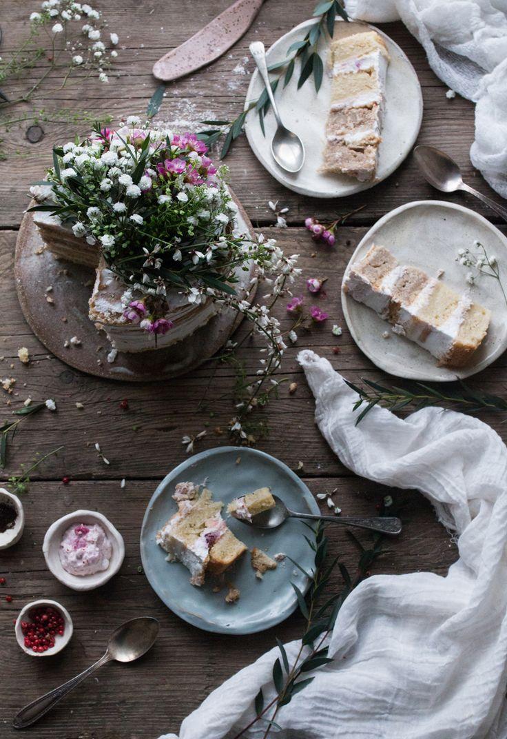 Vegan rhubarb layer cake + supperclub announcement / The Little Plantation Blog /Salvia+Limone