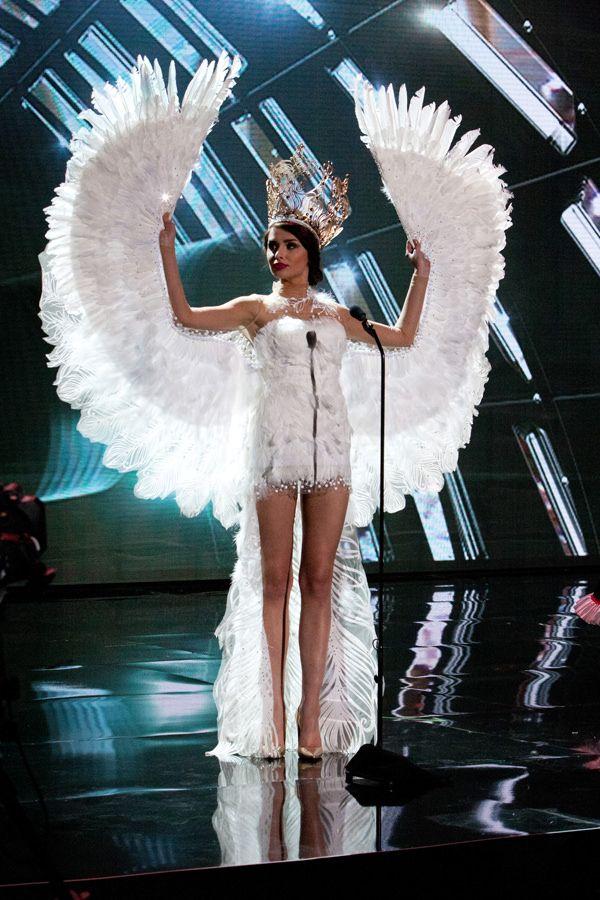 11-Miss-Poland-Miss-Universe-2015-National-Costumes-Tom-Lorenzo-Site