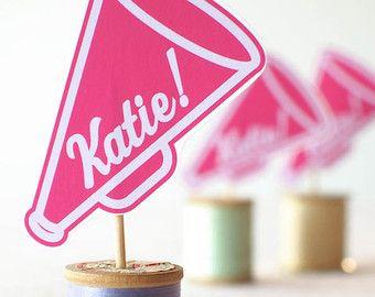 Etsy の Boutique Custom Cheerleader Hair Clip by petitepretties