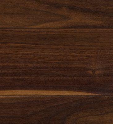 Découvrez notre plancher bois franc huile noyer américain. Fort de son expérience, notre équipe de spécialistes est à votre service pour vous guider.