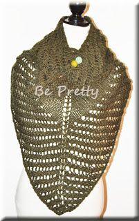 Xaile/echarpe de tricot, em lã verde seco, muito fofinha. #xaile #echarpe #lã #shawl #shawlette #woll #knit