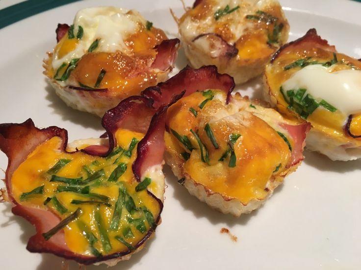 Slané snídaňové muffinky. Šunka, vajíčko, pažitka a přidat můžete cokoliv, co máte rádi. Autor: Karambola
