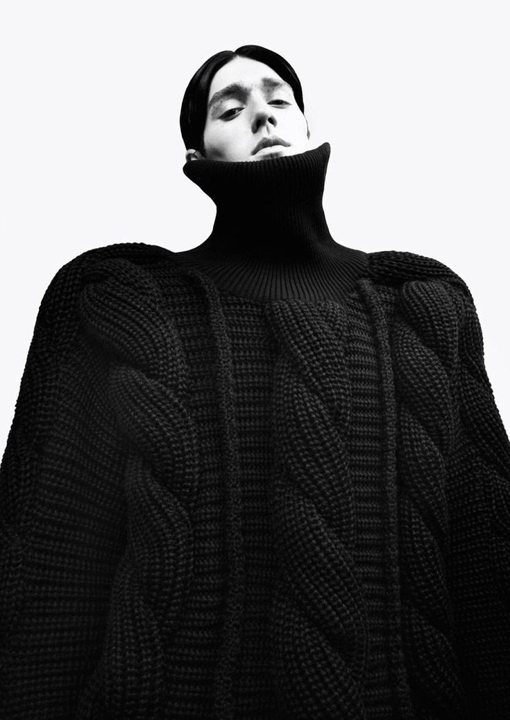 Sculptural Fashion - oversized knitwear with chunky textures & dramatic proportions // Yii A/W 2014