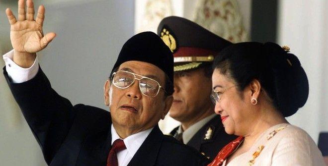 Repotnya Orang Cek Kebenaran Omongan Gus Dur Kalau Megawati Masih Kerabat Dekatnya