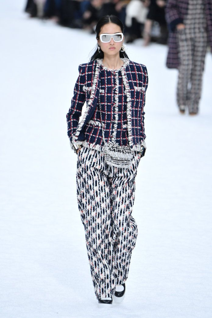 Every Look From Karl Lagerfeld's Final Chanel Collection – Celeb Stylist