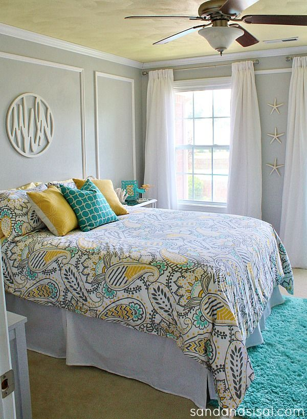Gray, Yellow, Turquoise Teen Room Makeover with Picture Frame Molding  #HelloBeautiful