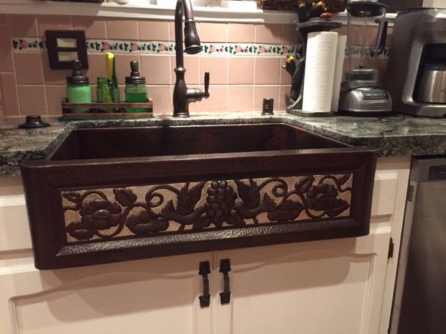 shelly sent us this beautiful photo of her new two tone eden copper farmhouse kitchen sink