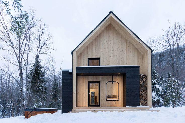 Regardez ce logement incroyable sur Airbnb : Villa Boréale - Charlevoix - Chalets à louer à Petite-Rivière-Saint-François