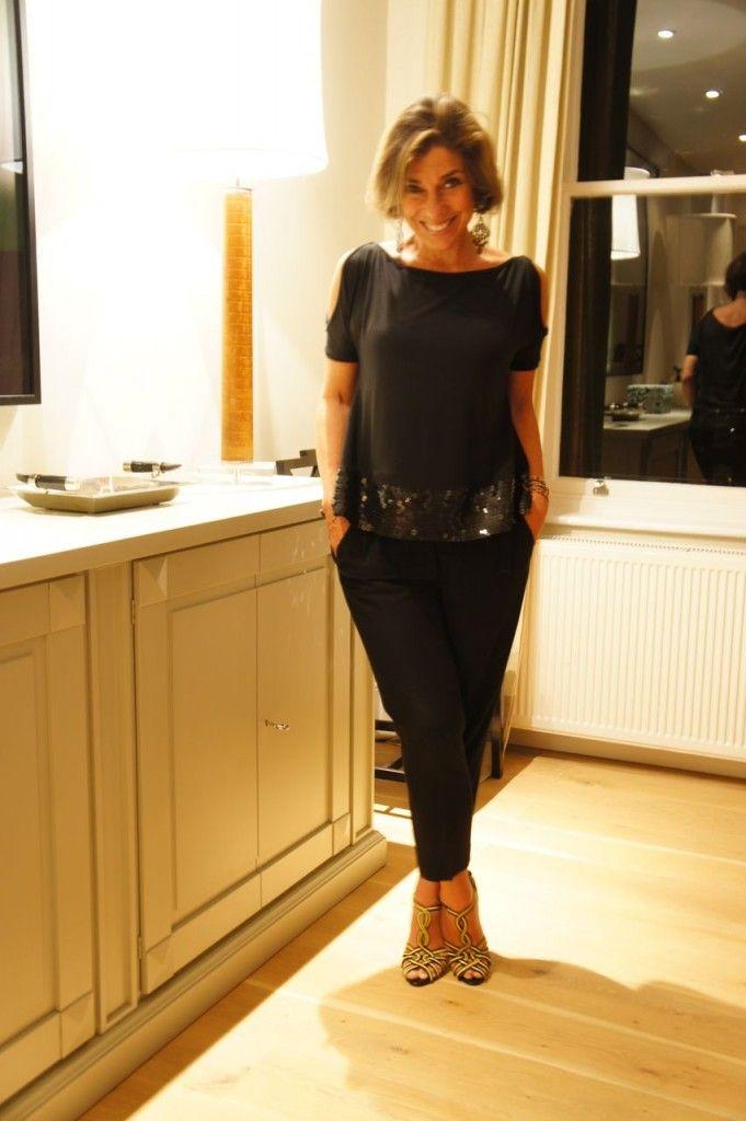 Consuelo Blocker muito fina! O estilo dela é muito conforto com um toques nos acessórios. É perfeito