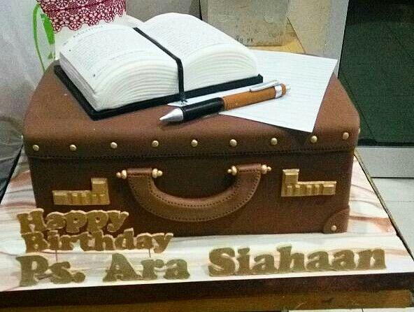 #birthdaycake #iristcoffeecake #bestbirthdaycake #customcake #cakeideas #biblecake