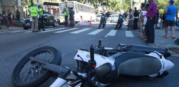 Um policial militar foi morto por assaltantes na manhã desta quinta-feira (16) em frente ao câmpus da Universidade do Estado do Rio de Janeiro (Uerj) no Ma...