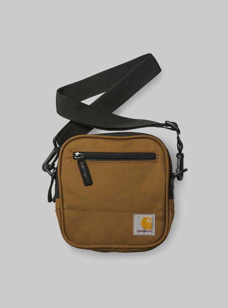 Trovi Carhartt WIP Watts Essentials Bag nel online shop ufficiale. | Spedizione nello stresso giorno lavorativo e reso gratuito.