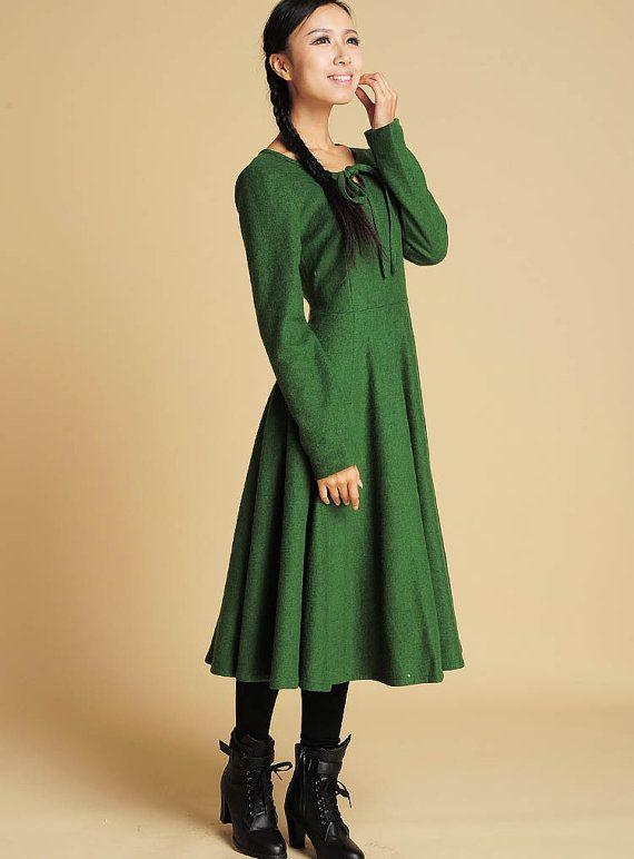 die besten 25 gr nes kleid ideen auf pinterest gr ne mode smaragdgr ne kleider und kleider. Black Bedroom Furniture Sets. Home Design Ideas