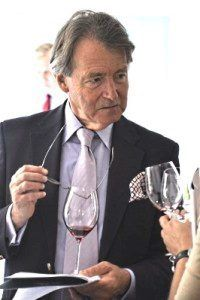 vinjournalen.se -   : Grattis Steven Spurrier! |  Steven Spurrier har av det kända vinmagasinet Decanter utnämnts till Decanter Man of the Year 2017. Spurrier har arbetat länge inom en vinkarriär kritiker, journalist, köpare, entreprenör, vin guide, visionär, mentor, krögare, författare, utbildare, domare, kommunikatör och konsult. Efter sin... http://www.vinjournalen.se/nyheter/2017/03/12/grattis-steven-spurrier/
