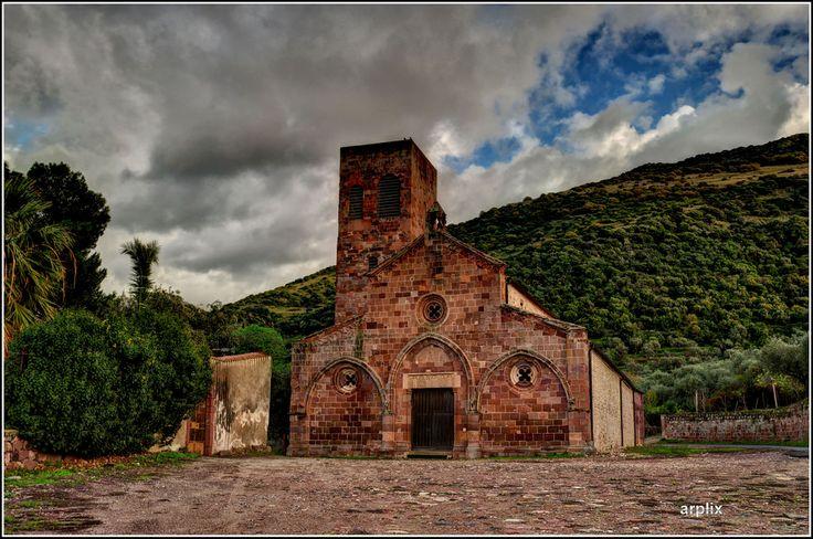 Sardegna, Bosa (OR), chiesa Romanica di San Pietro extra muros XI secolo.