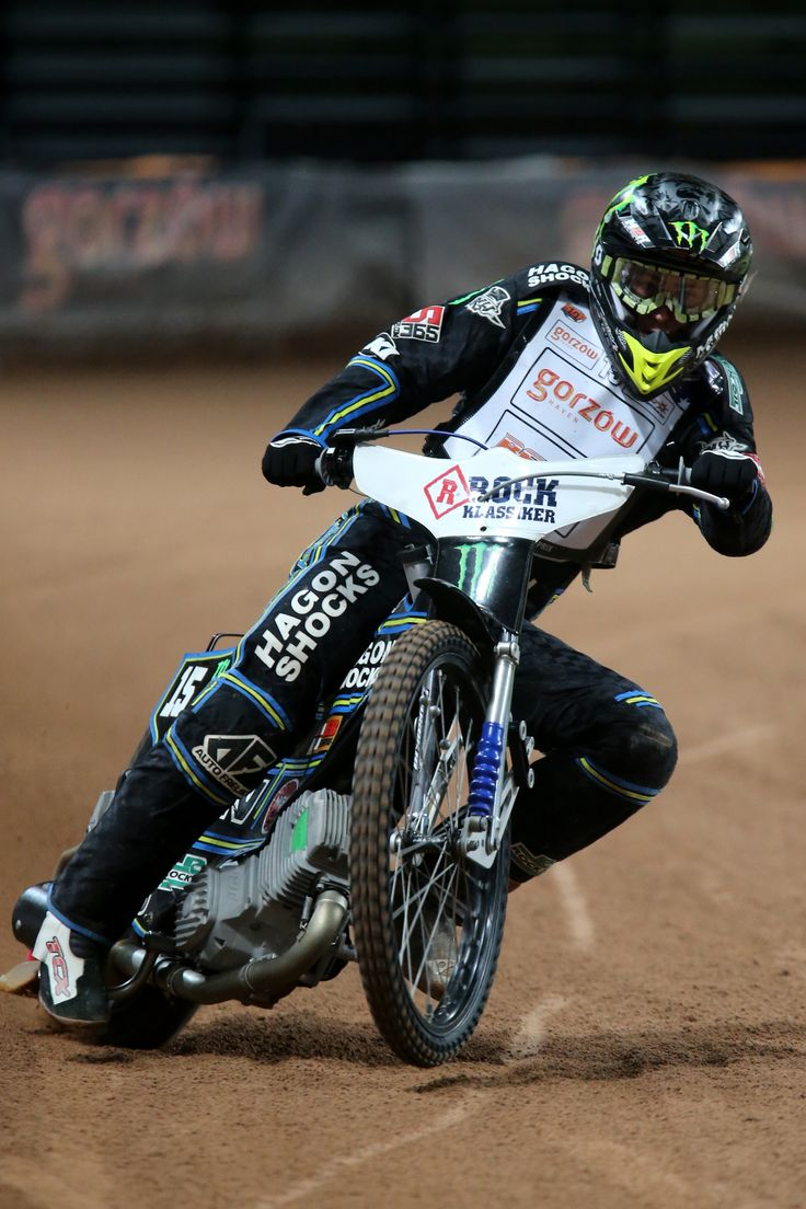 No.8 Darcy Ward (AUS)