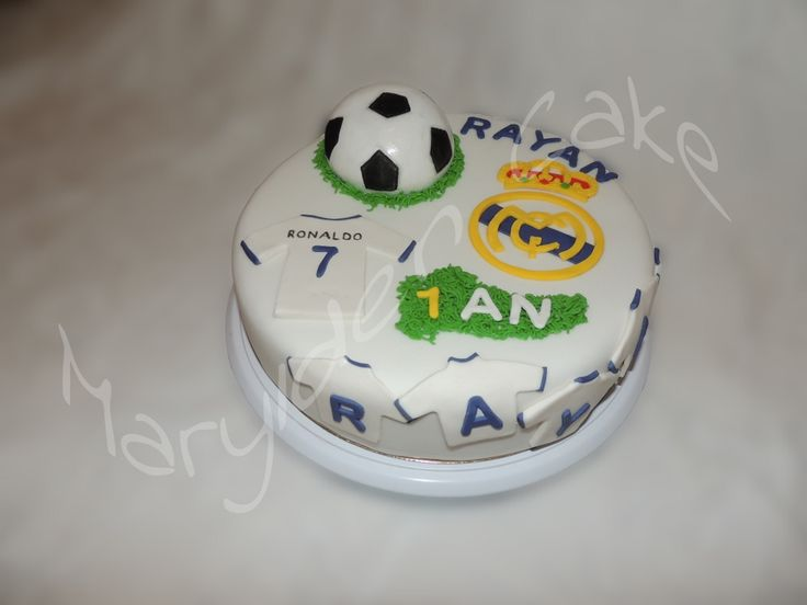 1000 id es sur le th me real madrid cake sur pinterest for Decoration chambre real madrid