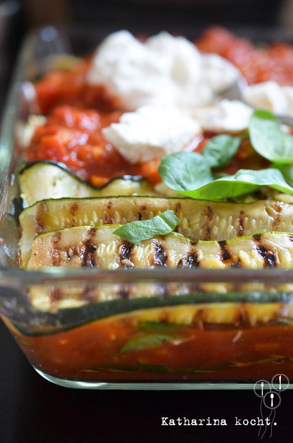 Low Carb Zucchini-Lasagne // www.katharinakocht.com