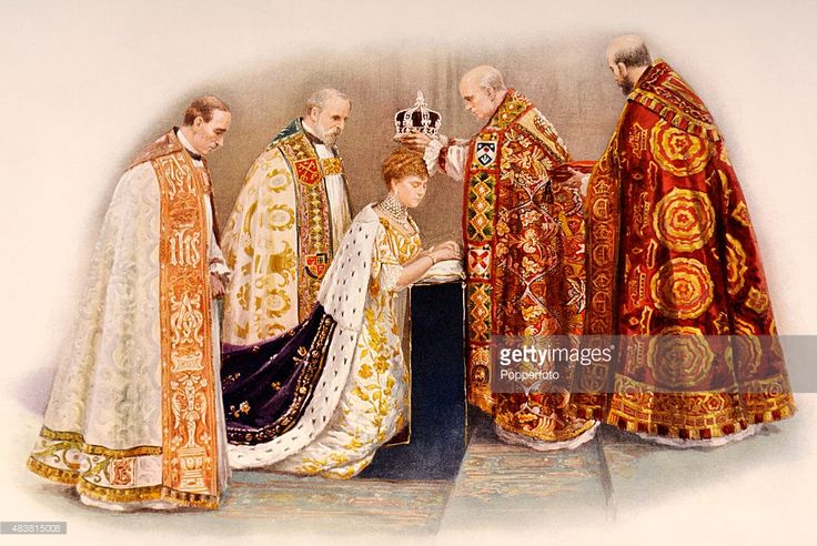 The Bishop of Oxford, Charles Gore, The Bishop of Peterborough, Edward Glyn, Queen Mary, The Archbishop of Canterbury, Randall Davidson, and The Dean of Westminster, Herbert Ryle. (Photo by Popperfoto/Getty Images)