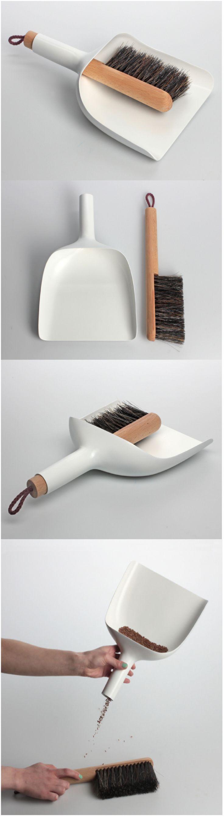 'Sweeper and dustpan' by Jan Kochański (2013) #INJECCIO