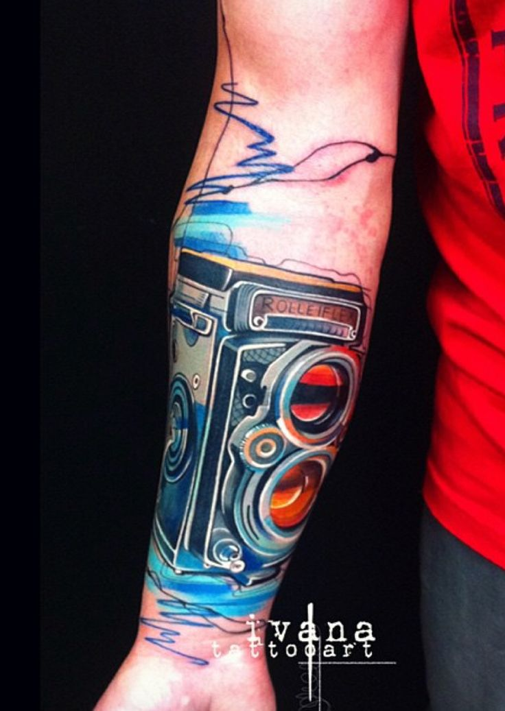 I did this vintage camera while ago.. just found a photo on my phone so thought I would share it with you.  Photography is my other hobby besides tattooing so I really enjoyed this one!     @ivanatattooart