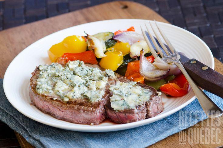 Steak sur gril au fromage mariné sauce vin rouge et ail #boeuf #marinade