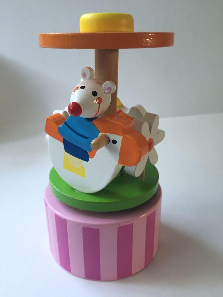 Houten #muziekdoos #muizen Kraamkado #kraamcadeau #baby #babykado #geboortekado #babykamer #babyshower op www.hummelkado.nl