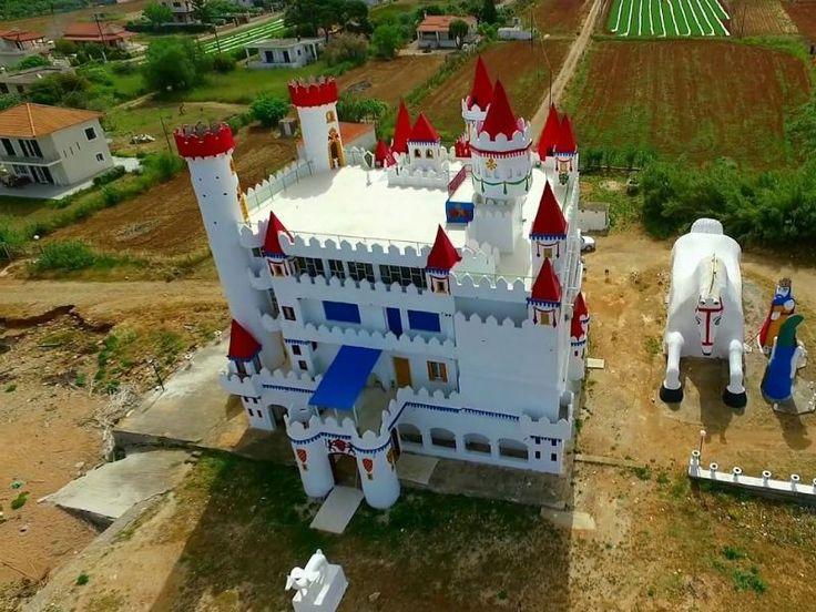 Το ξεχασμένο «κάστρο των παραμυθιών» που θυμίζει Disneyland βρίσκεται στην Ελλάδα!