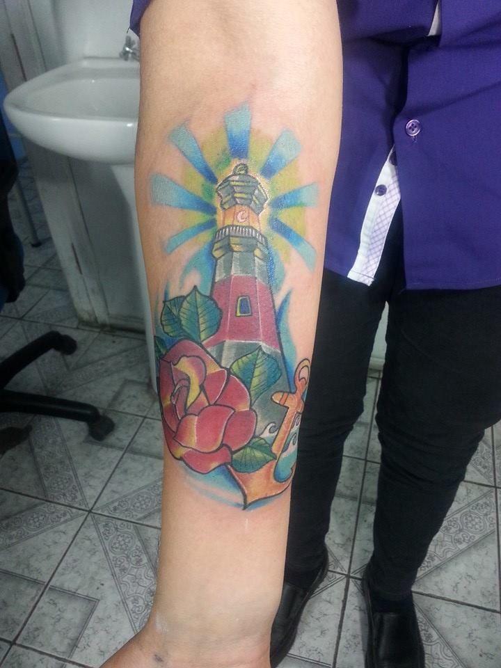 faro personalizado tattoo