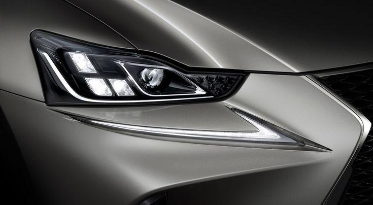 Lexus IS 2017 Headlights
