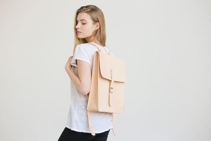 Large Leather Backpack (Natural) - NOSKA SHOP