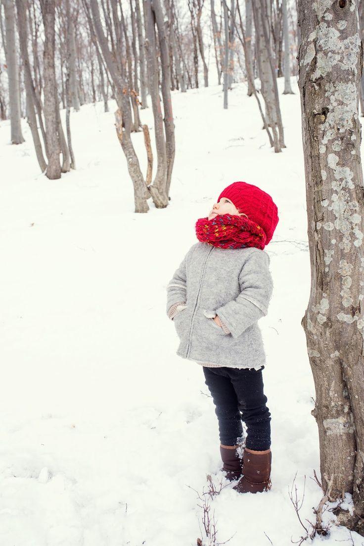 winter family time, winter kids, winter family photos, winter photo shooting, winter photos with kids, kids of winter, family photos, winter girl, winter blonde girl, winter red hat, red hat in the snow