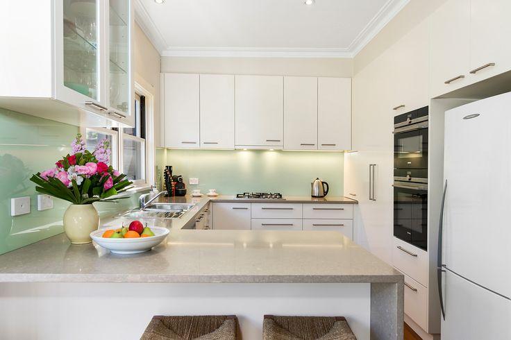 http://www.insideoutcolouranddesign.com.au/kitchen/