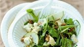 Sallad med gorgonzola, päron och valnötter | Recept