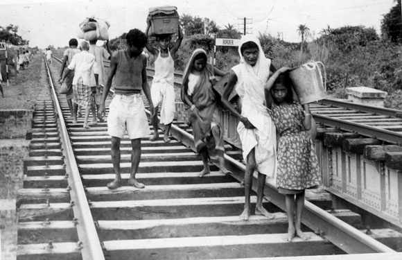 Refugees from East Pakistan arriving barefoot in India during the Partition, speaking volumes of their pain, suffering and grief.